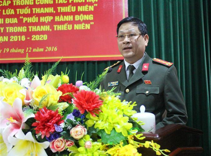 Đồng chí Đại tá Nguyễn Hữu Cầu, Ủy viên BTV Tỉnh ủy, Giám đốc Công an tỉnh phát biểu tại hội thảo
