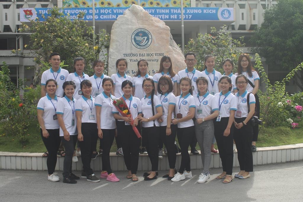 Đội tình nguyện quốc tế sẽ lên đường sang Xiêng Khoảng vào ngày 6/7 tới
