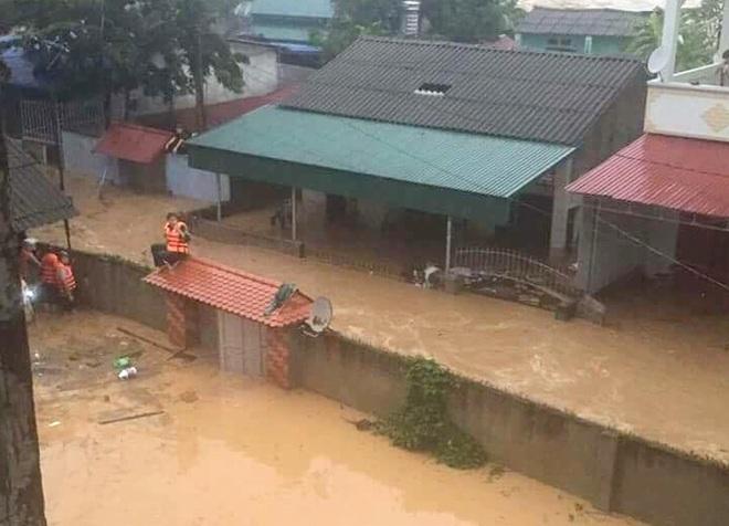 Nhiều địa phương ở Yên Bái vẫn còn ngập sâu