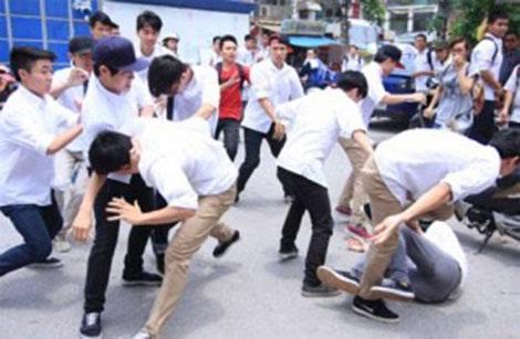 Nhiều vụ việc bạo lực học đường có nguyên nhân từ cách ứng xử, mâu thuẫn trên mạng xã hội.