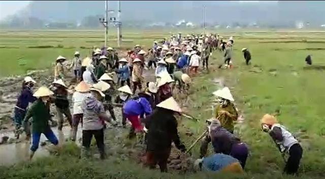 Linh mục Nguyễn Đức Nhân kích động giáo dân lấn chiếm trái phép đất nông nghiệp vào sáng 17/12
