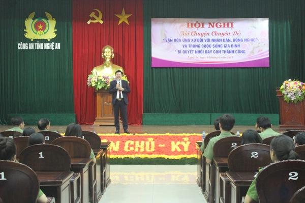 Diễn giả Đào Ngọc Cường chia sẻ về cách ứng xử trong cuộc sống và trong công việc
