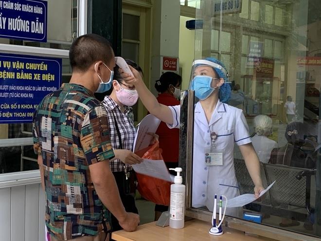 Các bệnh viện cần giám sát, lấy mẫu xét nghiệm bệnh nhân có ho, sốt, khó thở.